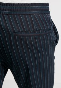 Topman - Pantaloni - dark blue - 5