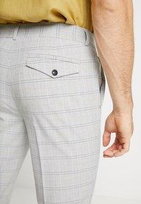 Topman - CHECK TROUSERS - Pantalon classique - grey - 3