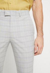 Topman - CHECK TROUSERS - Pantalon classique - grey - 5