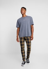 Topman - HIGHLIGHT BOLD CHECK SUPER SKINNY - Broek - navy - 1