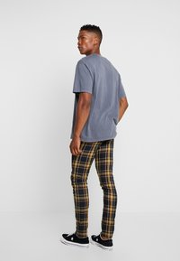 Topman - HIGHLIGHT BOLD CHECK SUPER SKINNY - Broek - navy - 2
