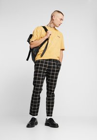 Topman - GRID WITH CHAIN - Tygbyxor - black - 1