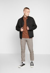 Topman - CORE CHECK TROUSER - Tygbyxor - grey - 1