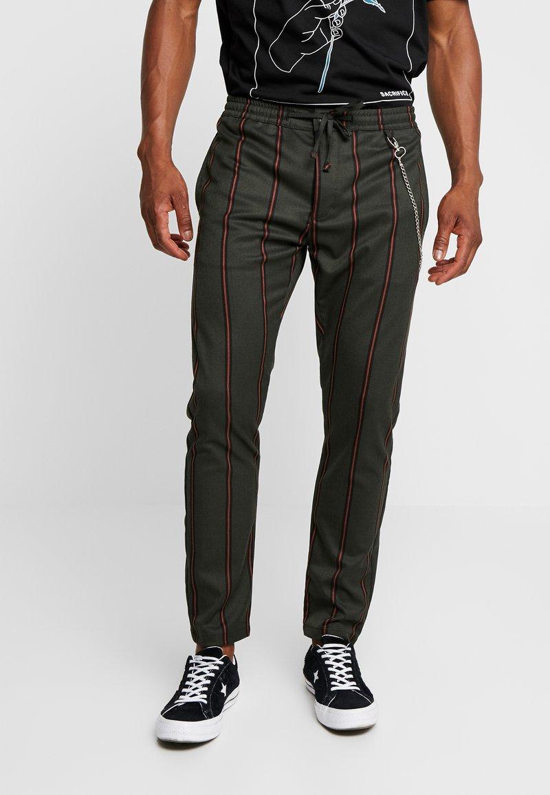 Topman - STRIPE WITH CHAIN - Kalhoty - khaki
