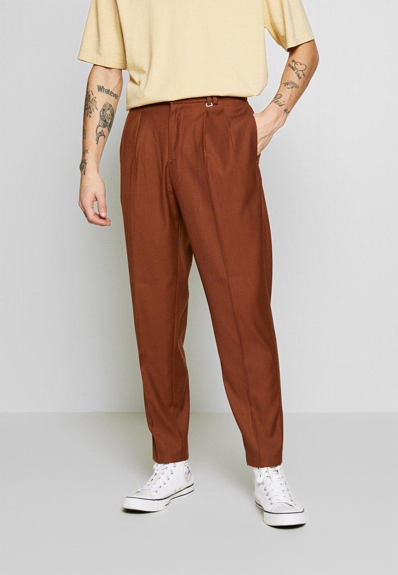 Topman - SOUTHDOWN - Kalhoty - camel