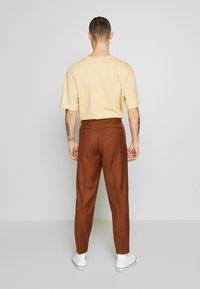 Topman - SOUTHDOWN - Kalhoty - camel - 2