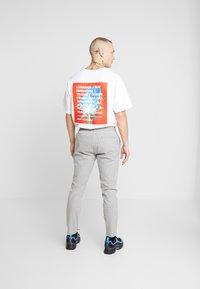 Topman - STRIPE WHYATT - Pantaloni - grey - 2