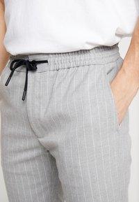 Topman - STRIPE WHYATT - Pantaloni - grey - 4