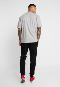 Topman - SIGNATURE JOGGER - Trainingsbroek - black - 2