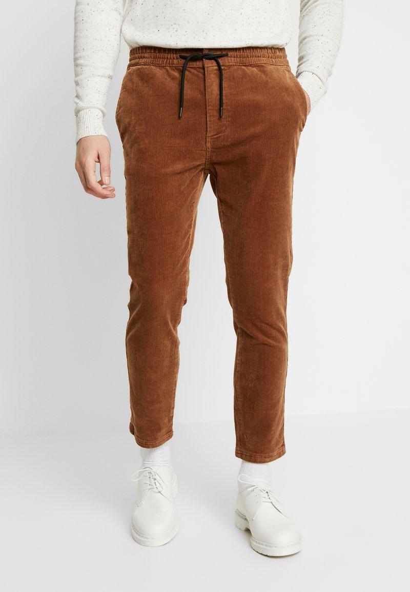 Topman - WHYATT - Spodnie materiałowe - tan