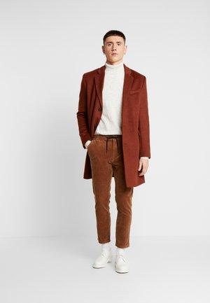 WHYATT - Pantaloni - tan