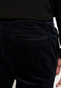 Topman - WHYATT - Pantaloni - navy - 5