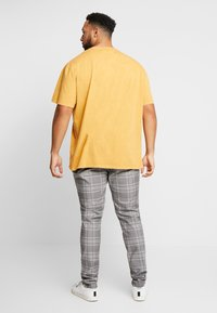 Topman - CHECK - Trousers - grey - 2