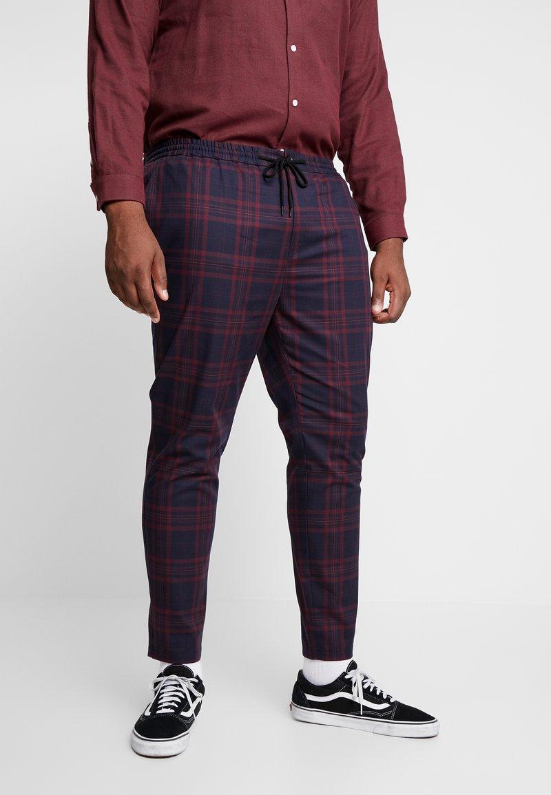 Topman - NAVY BURG CHECK  - Trousers - bordeaux/blue