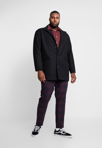 Topman - NAVY BURG CHECK  - Trousers - bordeaux/blue - 1