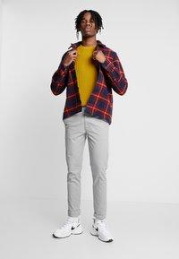 Topman - SLIM - Chino kalhoty - grey - 1