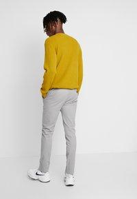 Topman - SLIM - Chino kalhoty - grey - 2