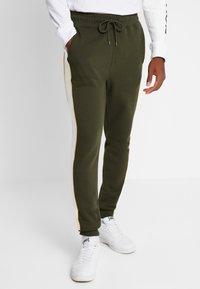 Topman - PANEL PIPED - Pantaloni sportivi - khaki - 0
