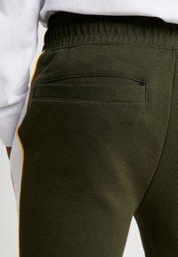Topman - PANEL PIPED - Pantaloni sportivi - khaki - 3