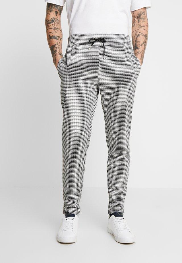 DOGTOOTH - Pantaloni sportivi - black/white