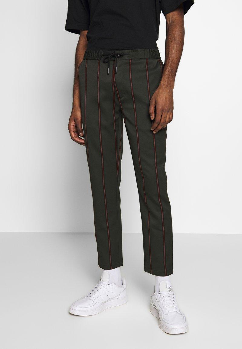 Topman - STRIPE - Pantalon de survêtement - khaki