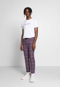 Topman - CHECK WHYATT - Pantaloni - lilac - 1