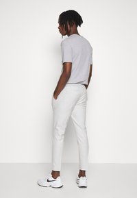 Topman - CHECK JOGGER - Broek - grey - 2