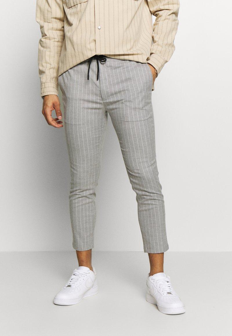 Topman - Pantalones - grey