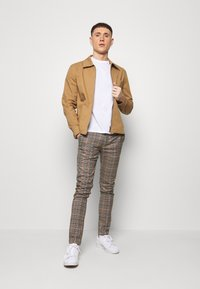 Topman - LARGE SCALE - Stoffhose - brown - 1