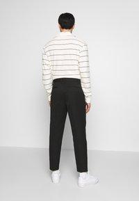 Topman - PLEAT TAPER - Trousers - black - 2