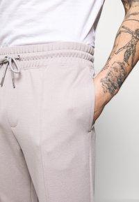 Topman - Teplákové kalhoty - grey - 4