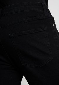 Topman - Shorts di jeans - black - 6