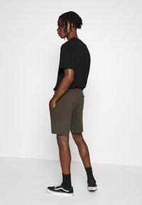 Topman - STRUCTURED - Shorts - khaki - 2