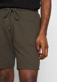 Topman - STRUCTURED - Shorts - khaki - 4