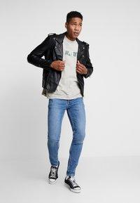 Topman - STRETCH SKINNY - Jeans Skinny Fit - blue denim - 1