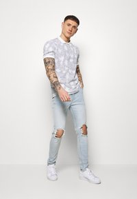 Topman - WASH EXTREME - Jeans Skinny Fit - light wash - 1