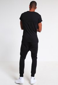 Topman - MUSCLE ROLLER - T-shirt basic - black - 2