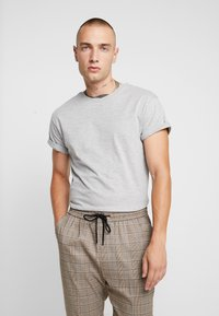 Topman - 5 PACK - Jednoduché triko - white/black/grey - 2