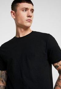 Topman - 3 PACK - T-shirt - bas - black - 5