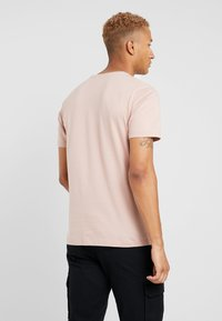 Topman - 3 PACK - Jednoduché triko - blue/off-white/nude - 2