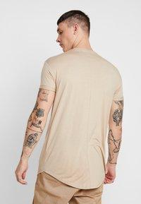 Topman - SCOTTY 2 PACK - Jednoduché triko - beige/khaki - 3