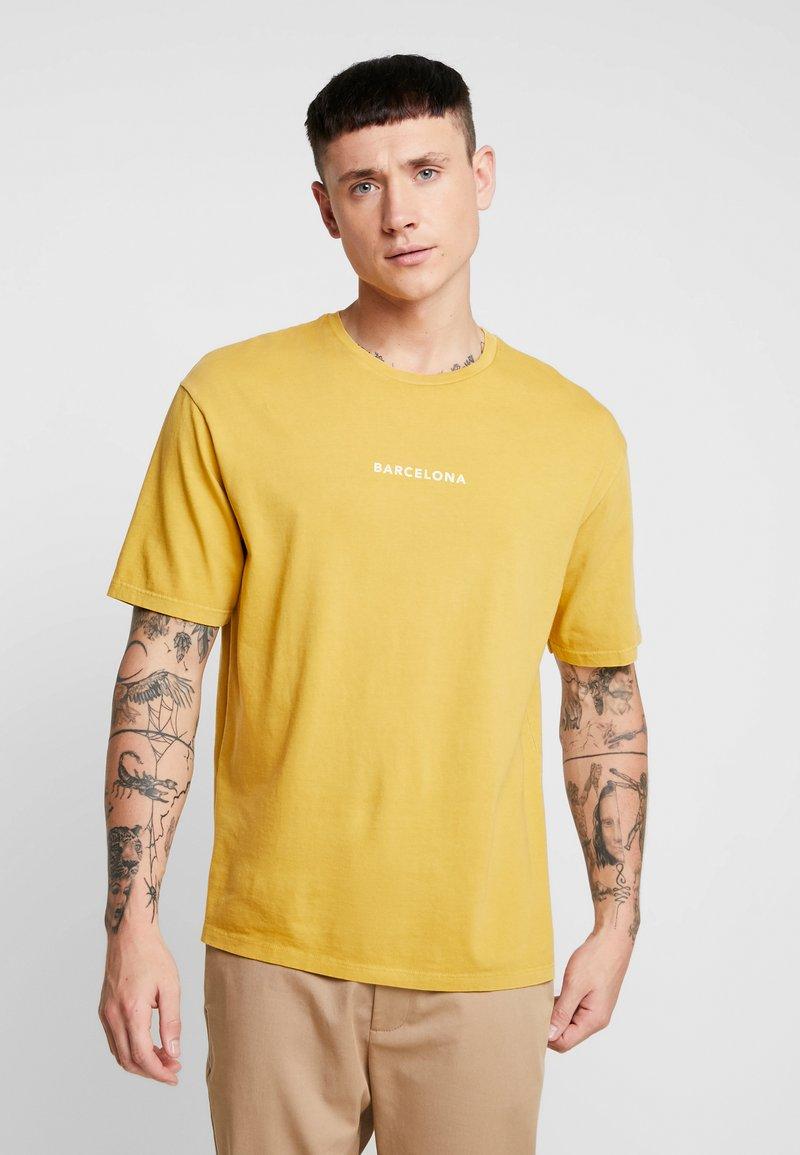 Topman - BARCELONA  - T-shirts - yellow
