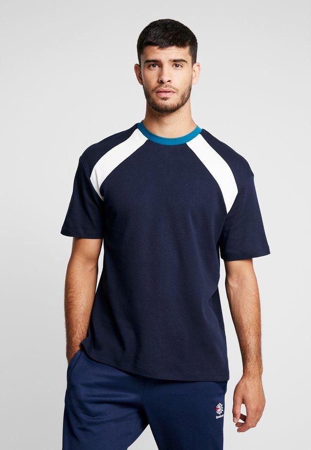 NAVETHAN PANEL INTLOCK - T-shirt con stampa - navy