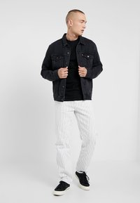 Topman - 2 PACK - Jednoduché triko - black/white - 1