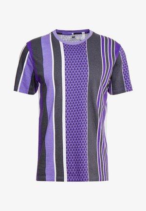 STRIPE TEE - T-shirt con stampa - purple
