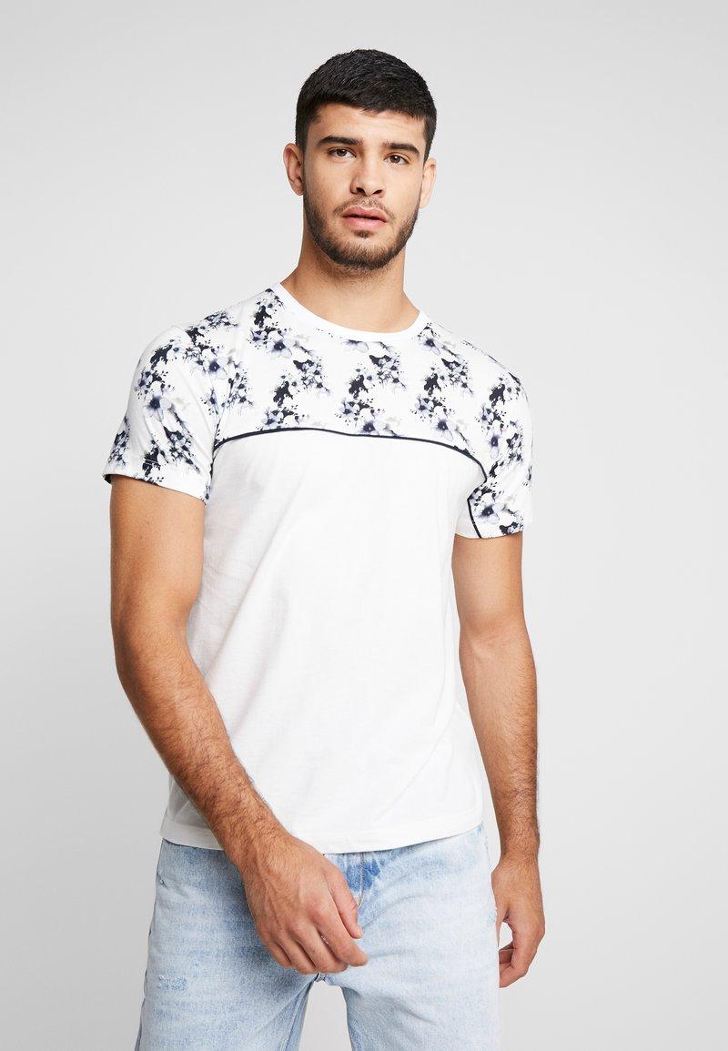 Topman - FLORAL TOP PANEL HANDEL TEE - T-shirt med print - white