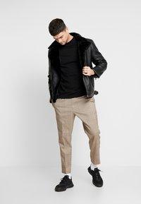 Topman - TURTLE - T-shirt basic - black - 1