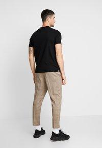 Topman - TURTLE - T-shirt basic - black - 2