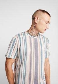 Topman - STRIPE SNIT - T-shirt con stampa - multi - 4