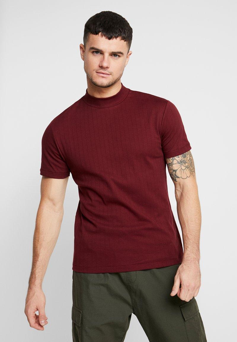 Topman - TURTLE NECK - T-shirts med print - burg